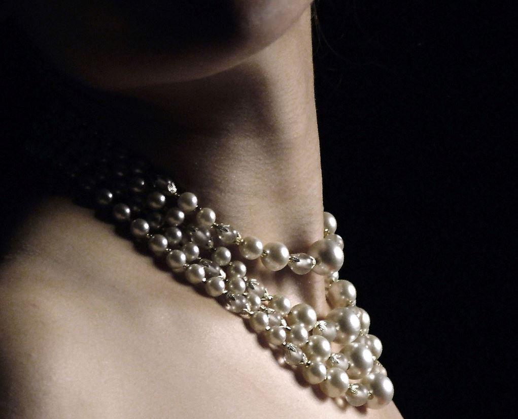 Colliers de perles à plusieurs rangs